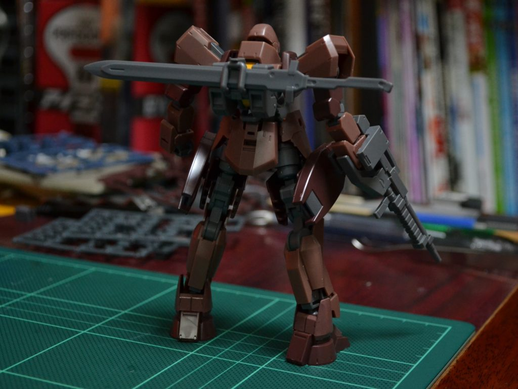 HG 1/144 グレイズ(地上戦仕様) ツインセット 背面