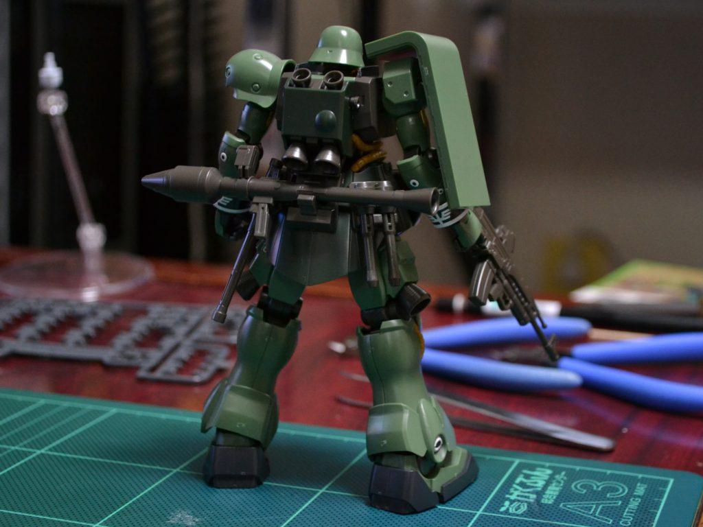 HGUC 1/144 AMS-129 ギラ・ズール 背面