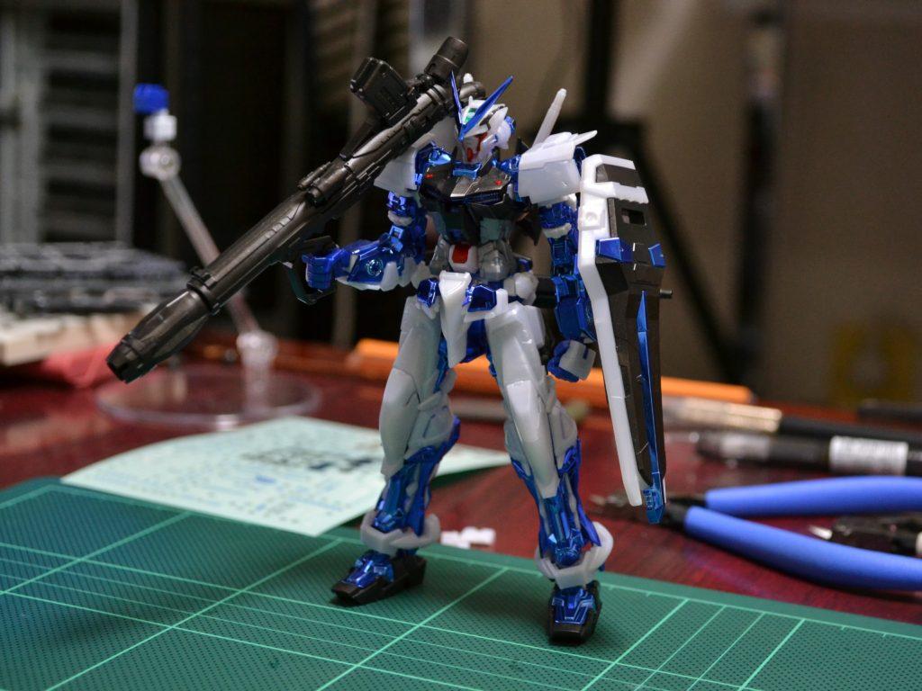 RG 1/144 MBF-P03 ガンダムアストレイブルーフレームメッキVer. [GUNDAM ASTRAY BLUE FRAME PLATED Ver.] 正面