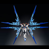 HGCE 1/144 ZGMF-X20A ストライクフリーダムガンダム 光の翼DXエディション [Strike Freedom Gundam (Revive Ver. Wing of Light DX Edition)] 公式画像7