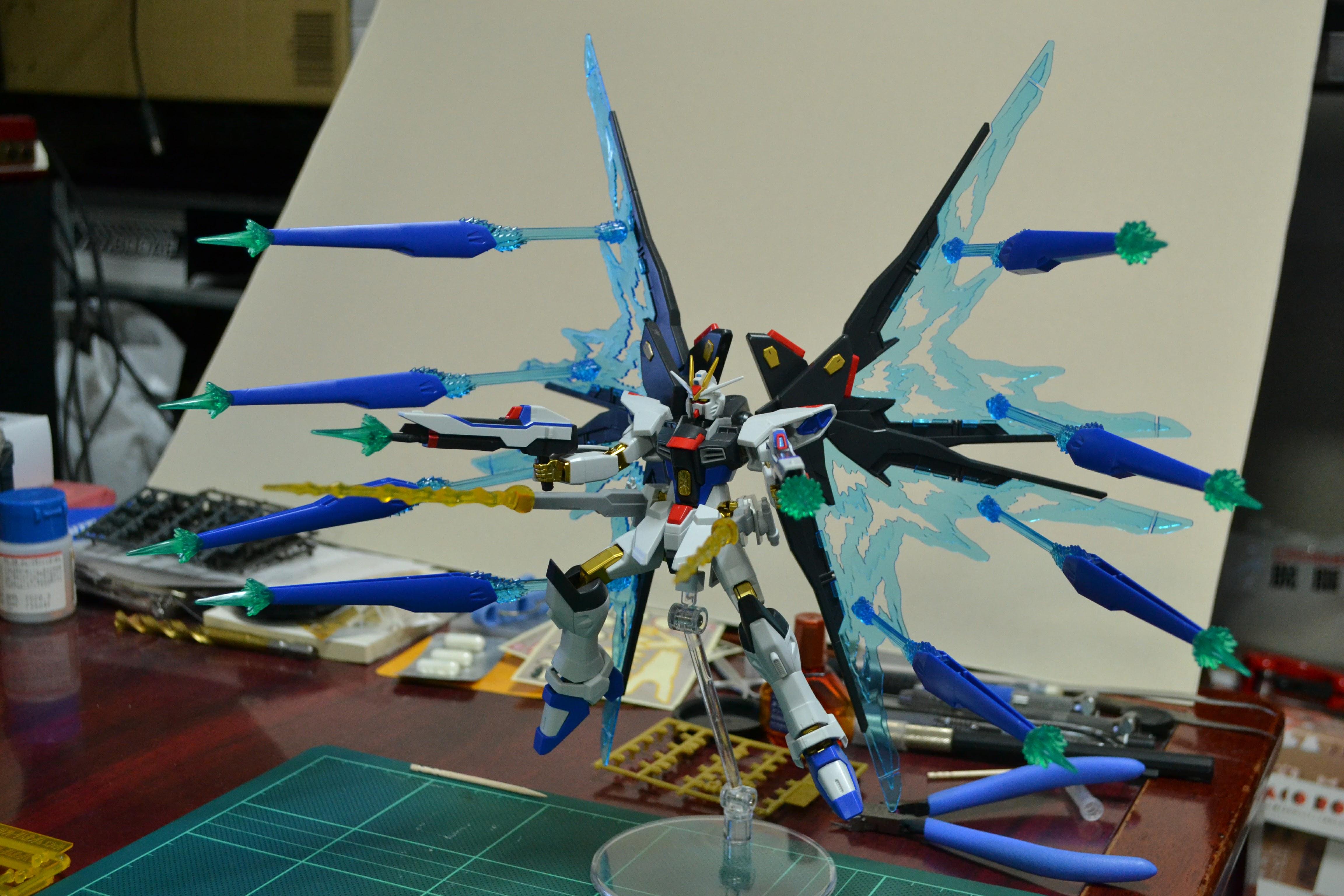 HGCE 1/144 ZGMF-X20A ストライクフリーダムガンダム 光の翼DXエディション [Strike Freedom Gundam (Revive Ver. Wing of Light DX Edition)]