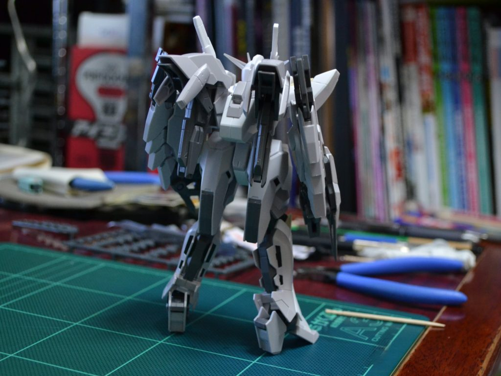 HGBF 1/144 CB-9696G/C/T リバーシブルガンダム [Reversible Gundam] 背面
