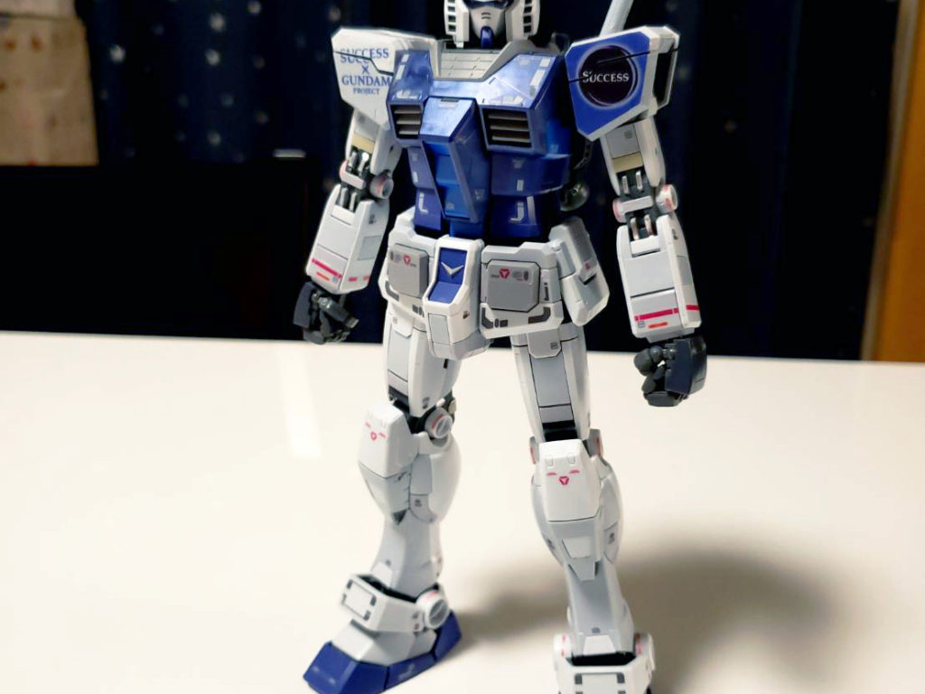 MG 1/100 ガンダム Ver.3.0 サクセスオリジナルカラーモデル [Gundam Ver.3.0 Success Original Color Model] 正面