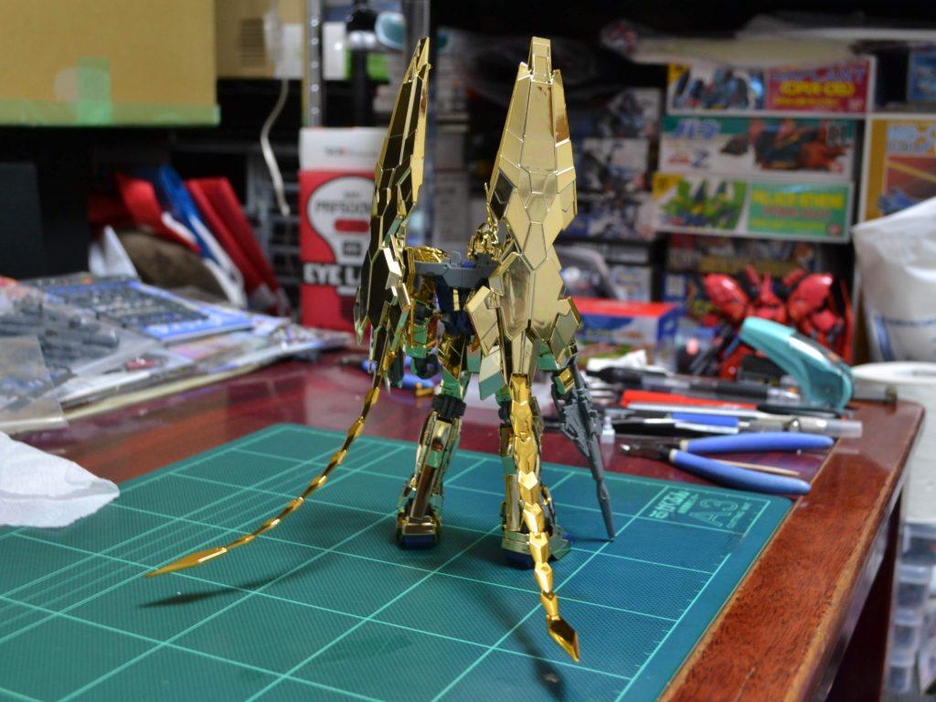RX-0 ユニコーンガンダム3号機フェネクス(UC.0097) 背面
