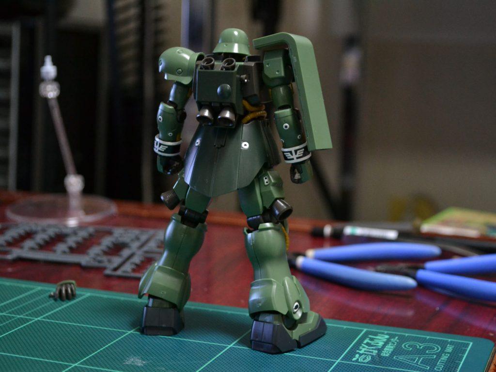 AMS-129 ギラ・ズール 背面