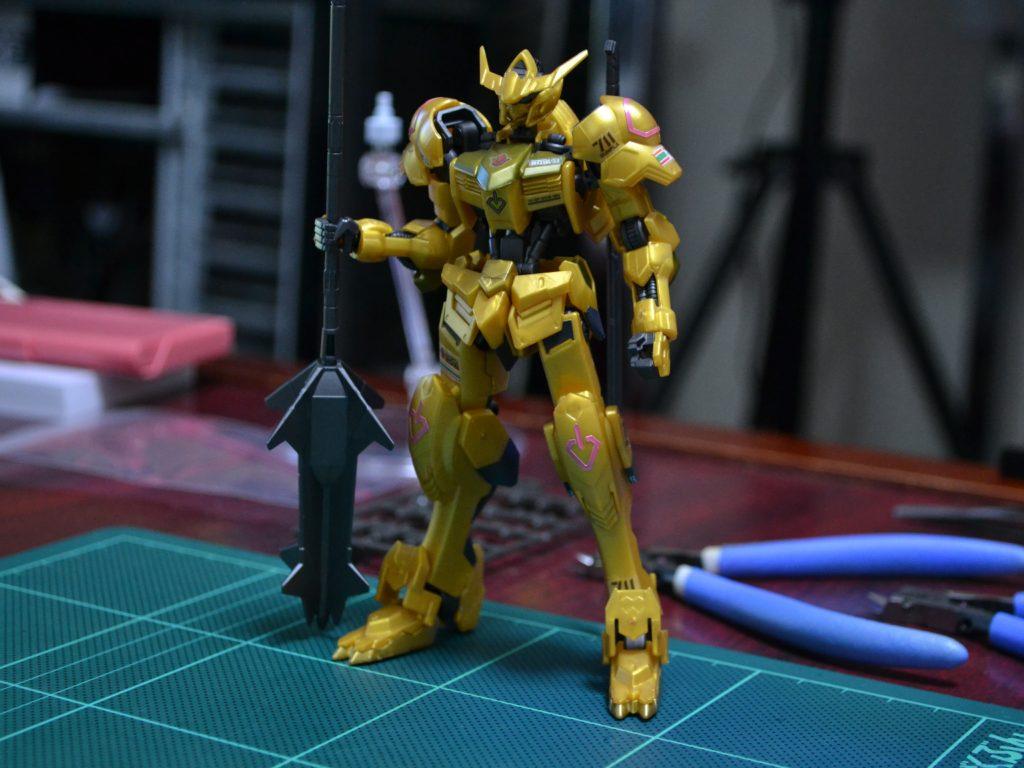 HG 1/144 ガンダムバルバトス「ゴールドインジェクションカラー」 正面