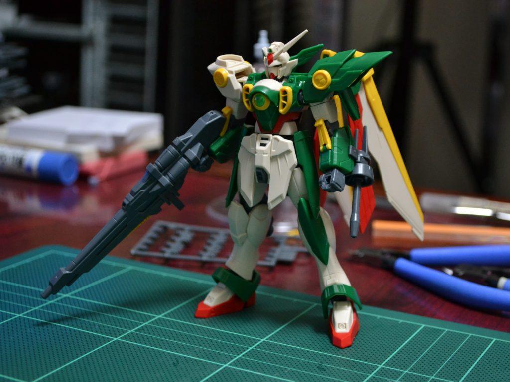 HGBF 1/144 XXXG-01Wf ウイングガンダムフェニーチェ [Wing Gundam Fenice] 正面