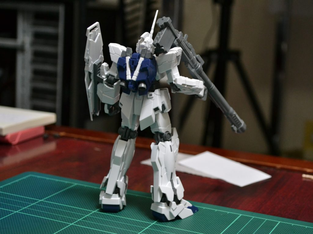 HGUC 1/144 RX-0 ユニコーンガンダム(ユニコーンモード) [Unicorn Gundam (Unicorn Mode)] 背面
