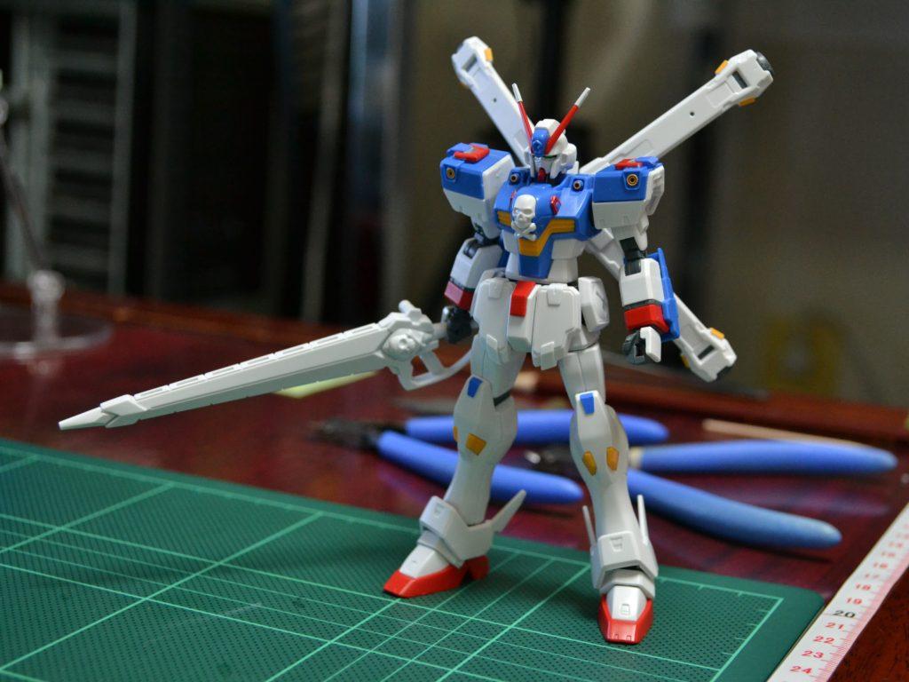 HGUC 1/144 XM-X3 クロスボーン・ガンダムX3 [Crossbone Gundam X-3] 正面