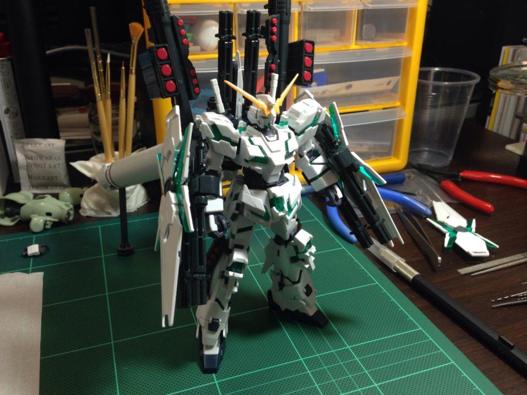 HGUC 178 1/144 RX-0 フルアーマー・ユニコーンガンダム(デストロイモード) [Full Armor Unicorn Gundam (Destroy Mode)] 正面