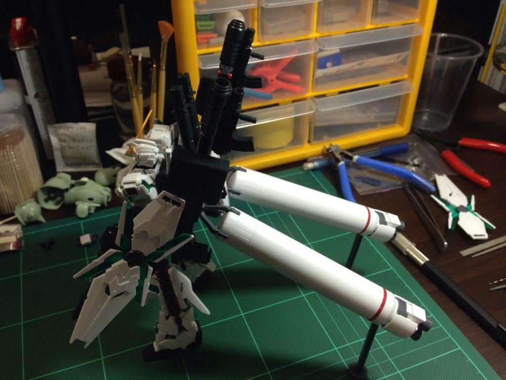 HGUC 178 1/144 RX-0 フルアーマー・ユニコーンガンダム(デストロイモード) [Full Armor Unicorn Gundam (Destroy Mode)] 背面