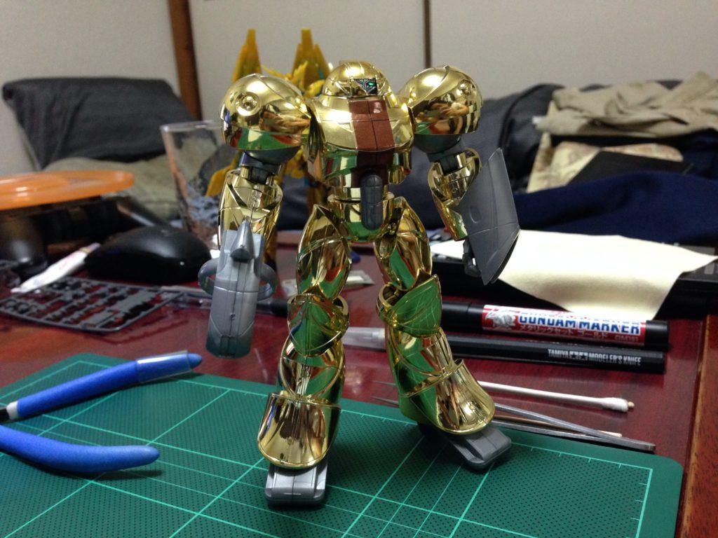 1/144 モビルスモー ゴールドメッキタイプ&シルバーメッキタイプ [Mobile SUMO Gold Plating Type &  Gold Plating Type] 正面