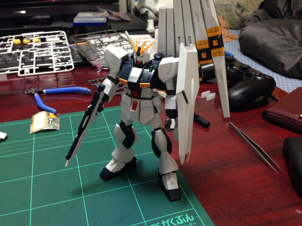 HGUC 1/144 RX-93 νガンダム [ν Gundam](ニューガンダム) 正面