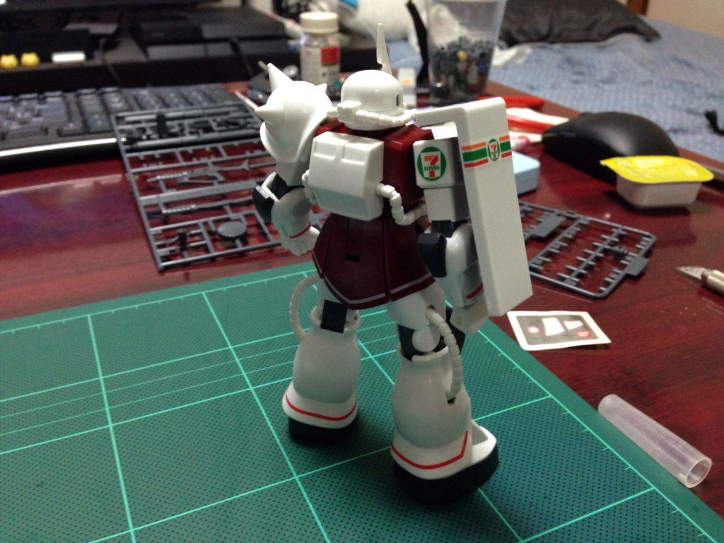 HGUC 1/144 MS-06S シャア専用ザク セブン-イレブン カラー 背面
