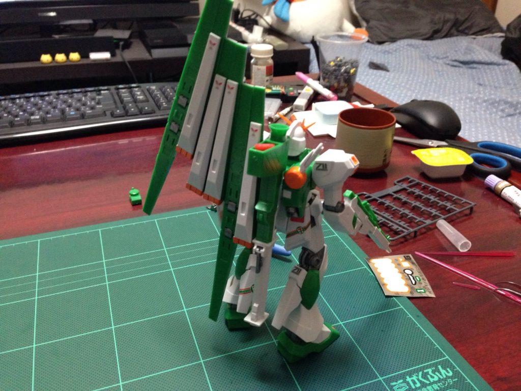 HGUC 1/144 RX-93 νガンダム(バージョン ジーエフティー)セブン-イレブン カラー 背面