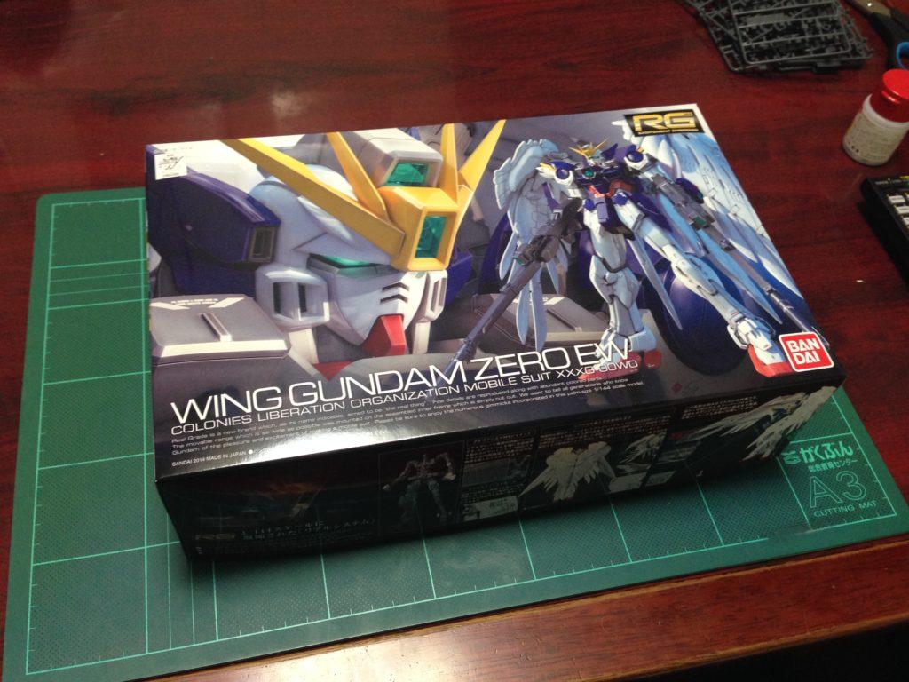 RG 1/144 XXXG-00W0 ウイングガンダムゼロ EW [Wing Gundam Zero EW] パッケージ