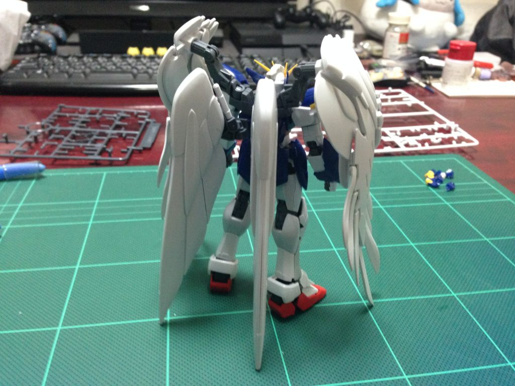 RG 1/144 XXXG-00W0 ウイングガンダムゼロ EW [Wing Gundam Zero EW] 背面