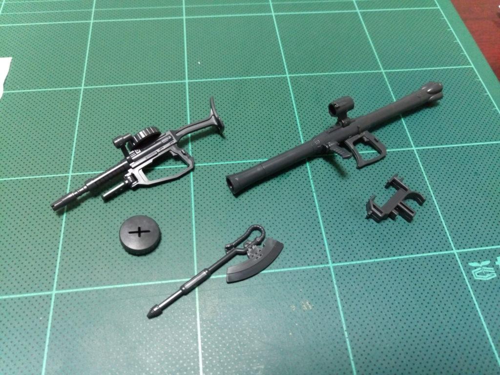 HGUC 1/144 MS-06R-1A シン・マツナガ専用ザクII [Zaku II (Shin Matsunaga Custom)] セット内容