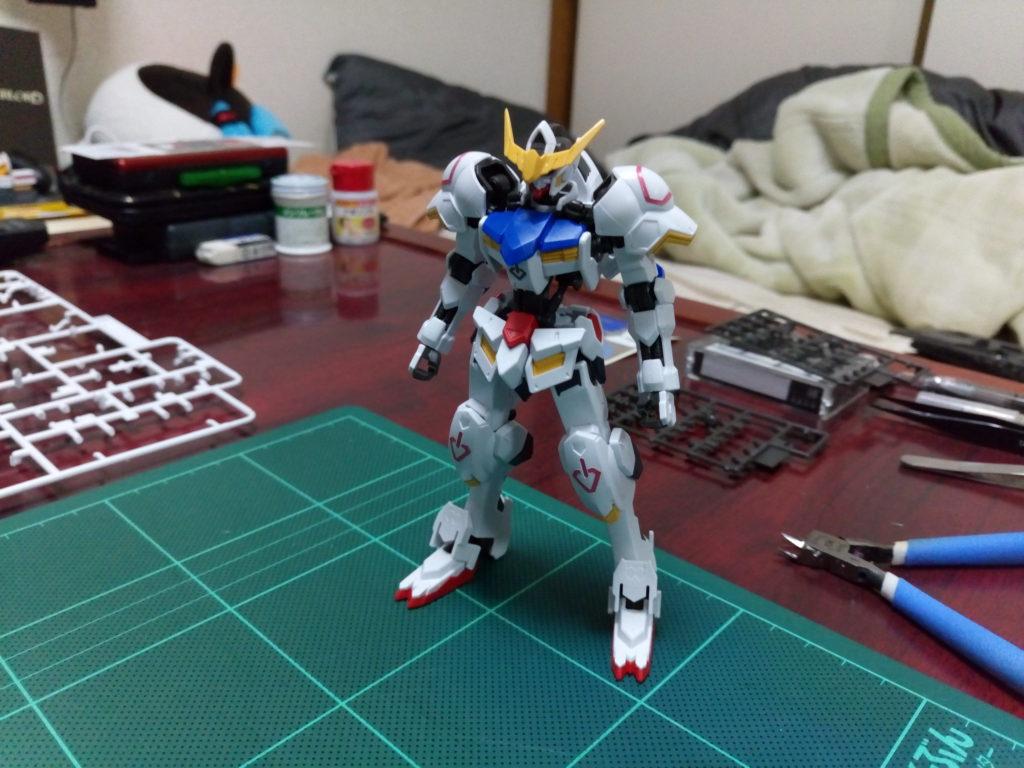 HG 1/144 ASW-G-08 ガンダムバルバトス コンプリートセット [Gundam Barbatos Complete Set] 正面