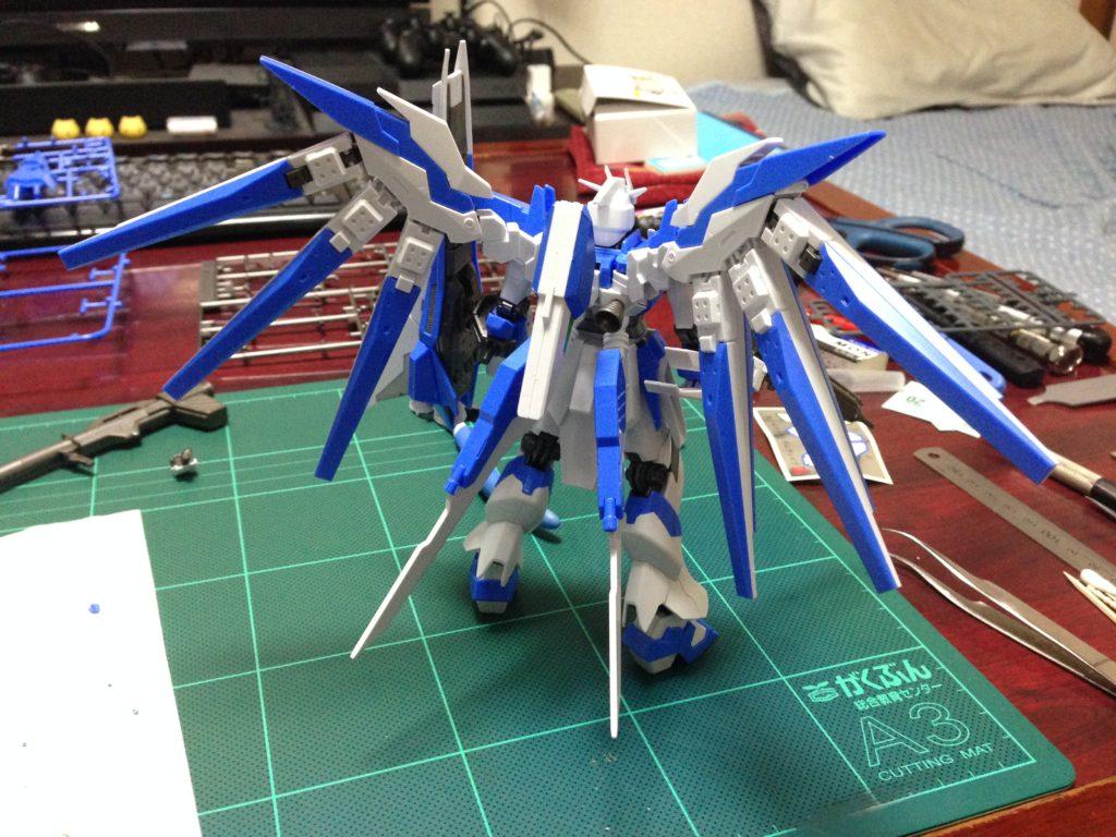 HGBF 1/144 RX-93-ν2V Hi-νガンダムヴレイブ [Hi-ν Gundam Vrabe] 背面