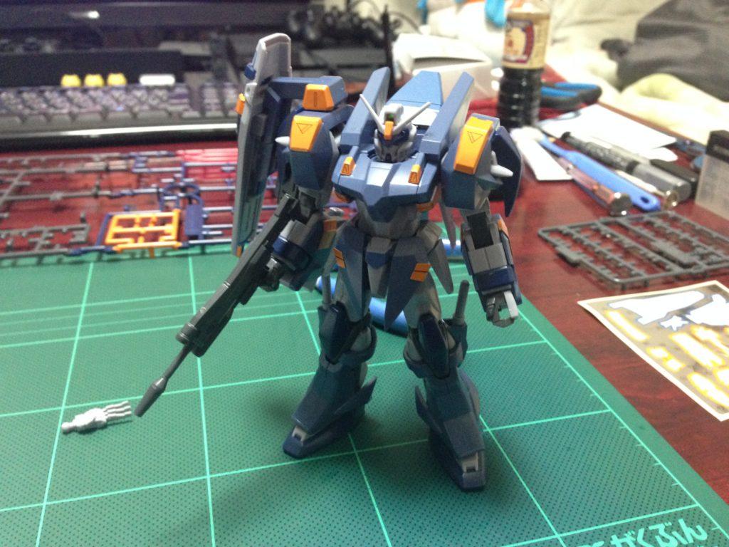 HG 1/144 GAT-X1022 ブルデュエルガンダム [Blu Duel Gundam] 正面