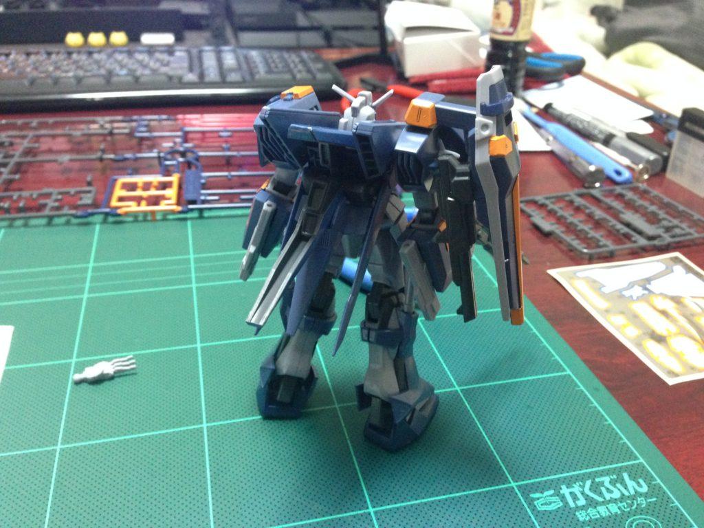 HG 1/144 GAT-X1022 ブルデュエルガンダム [Blu Duel Gundam] 背面