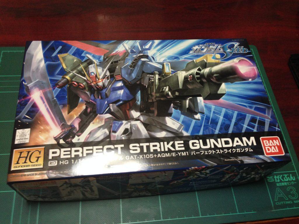 HG R17 1/144 GAT-X105+AQM/E-YM1 パーフェクトストライクガンダム [Perfect Strike Gundam] パッケージ