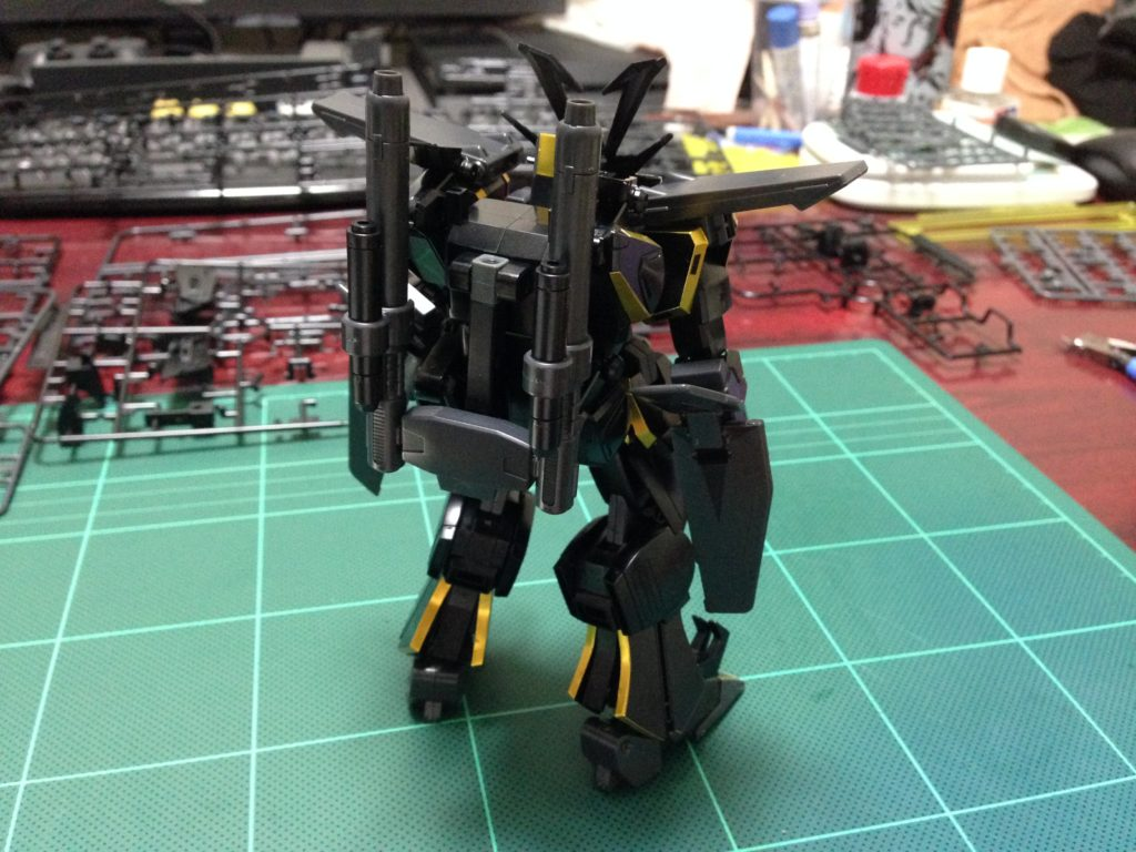 HGBF 1/144 煌黒機動 ガンダムドライオン3 背面