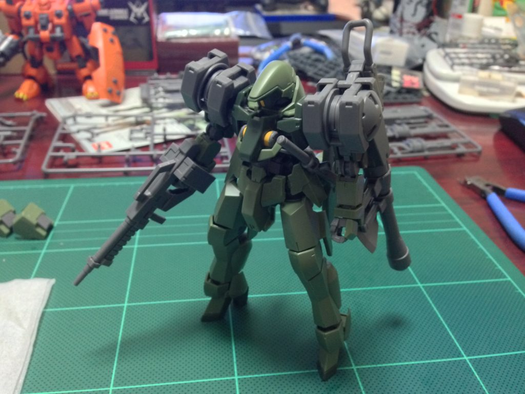 HG 1/144 MSオプションセット2&CGSモビルワーカー(宇宙用) [MOBILE SUIT OPTION SET 2 & CGS MOBILE WORKER SPACE TYPE] 正面