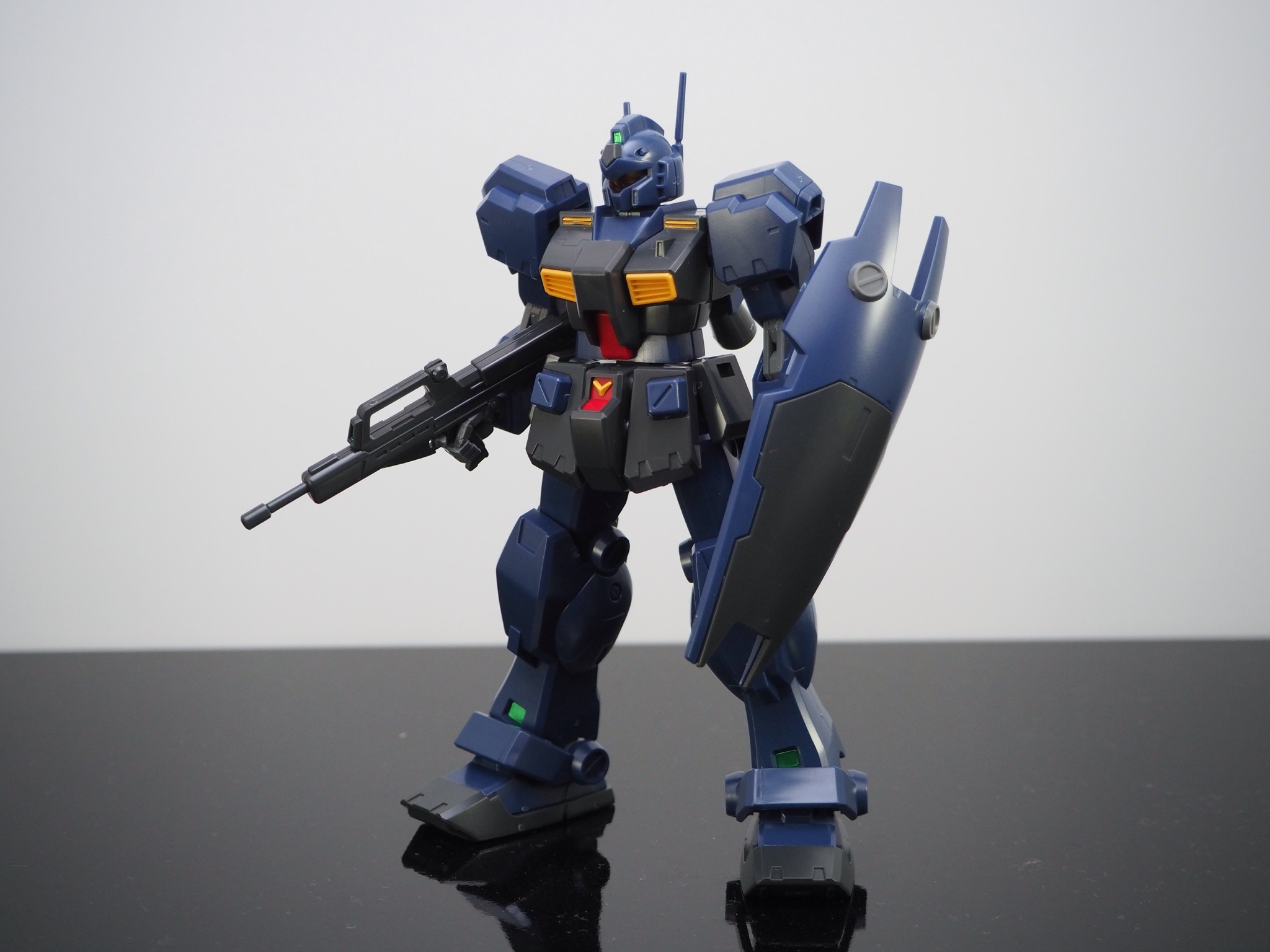 HGUC 1/144 RGM-79Q ジム・クゥエル