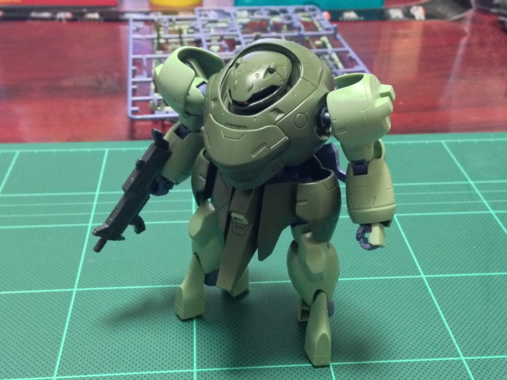 HG 1/144 マンロディ 正面