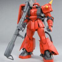 MG 1/100 MS-06R-2 ジョニー・ライデン専用ザク Ver.2.0 公式画像1